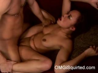 Annie Cruz gets wild and squirts